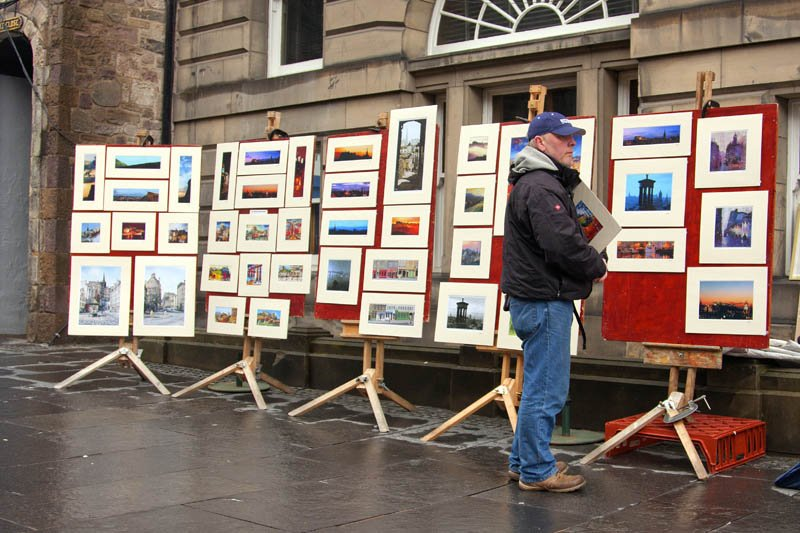'Edinburgh Gallery' by Gerry Simpson LRPS